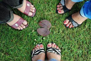 foots-73310_1280